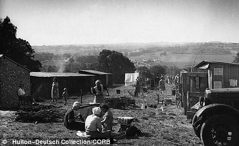 Trigg Farm  hop-pickers' camp near Goudhurst, Kent, in 1949.jpg