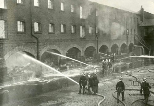 Pages Walk, Bermondsey Fighting Fire 4 June 1936.jpg