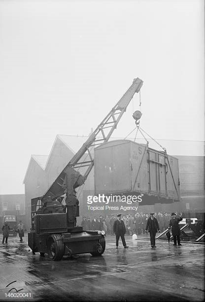 Bricklayers Arms Depot, crane hoisting a container during improvement works to the goods depot..jpg