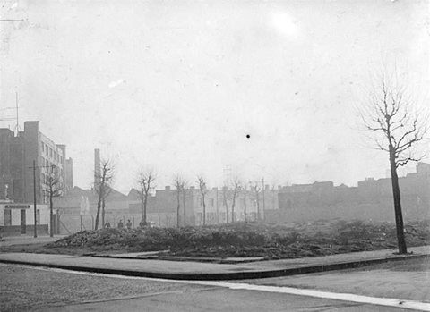 Southwark Park Road, Shuttleworths Park, Bermondsey. Anchor Street right, Galleywall Road left..jpg