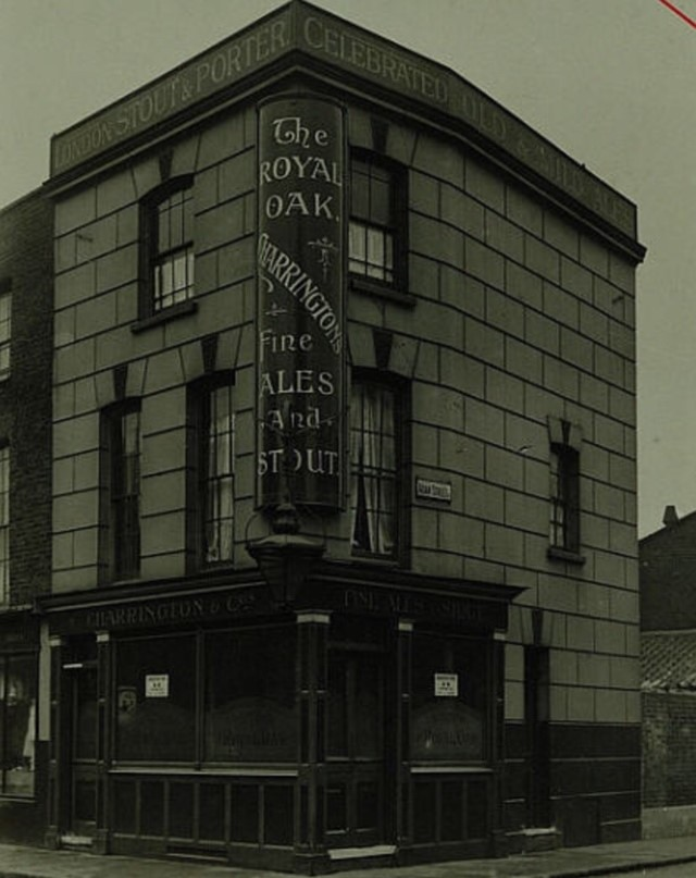 Harper Road, The Royal Oak, this pub opened in 1848 and closed in 1921..jpg