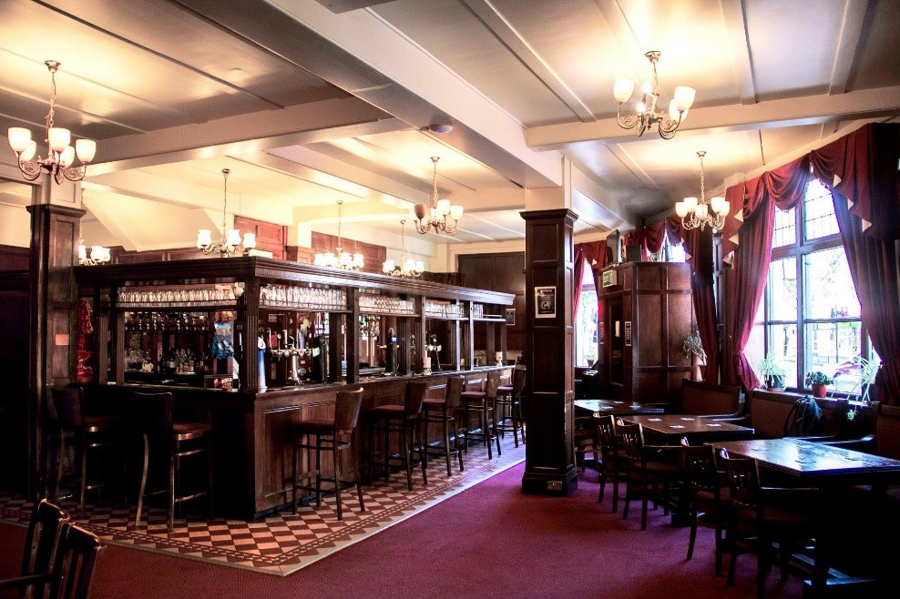 Westmorland Road, The Red Lion Pub interior c2017.jpg