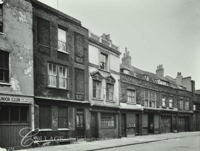 Rotherhithe Street 49-59 Jolly Waterman Pub,white building 1956..jpg