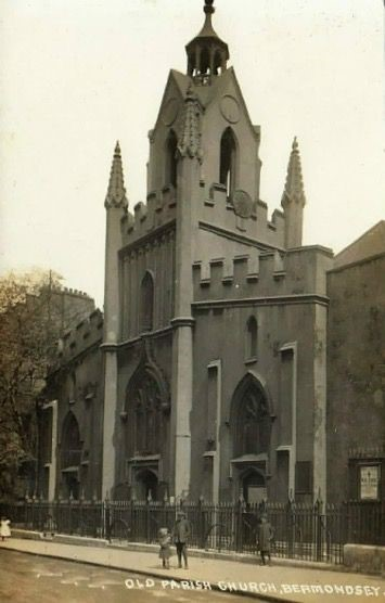 Bermondsey Street, 1915  St.Mary Magdalene Church..jpg