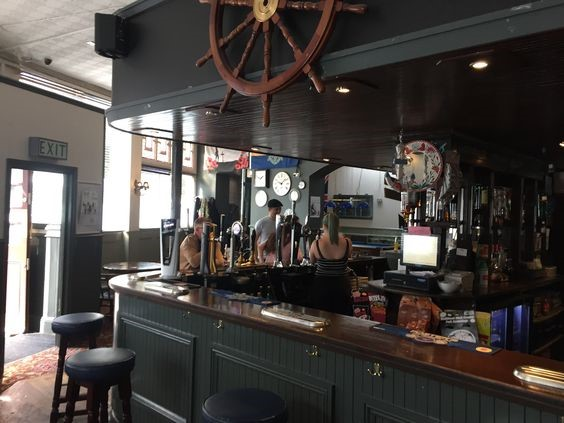 The Blue Anchor Pub in The Blue Southwark Park Road in Bermondsey  2017.jpg