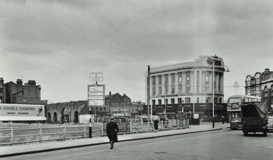 Elephant and Castle, 1957  X.jpg