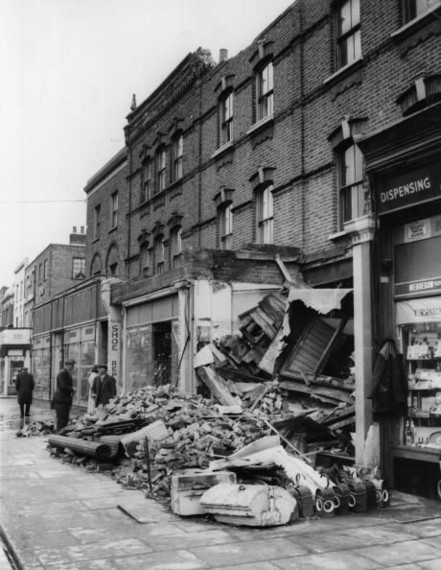 Old Kent Road,Bermondsey, opp Albany Road. 1961. Walklyn Bakery 1958..jpg