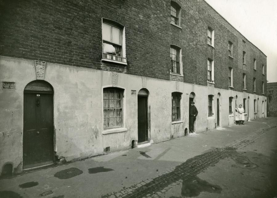 Nolan Place, 1935,was off Hatteraick street,Rotherhithe   X.png