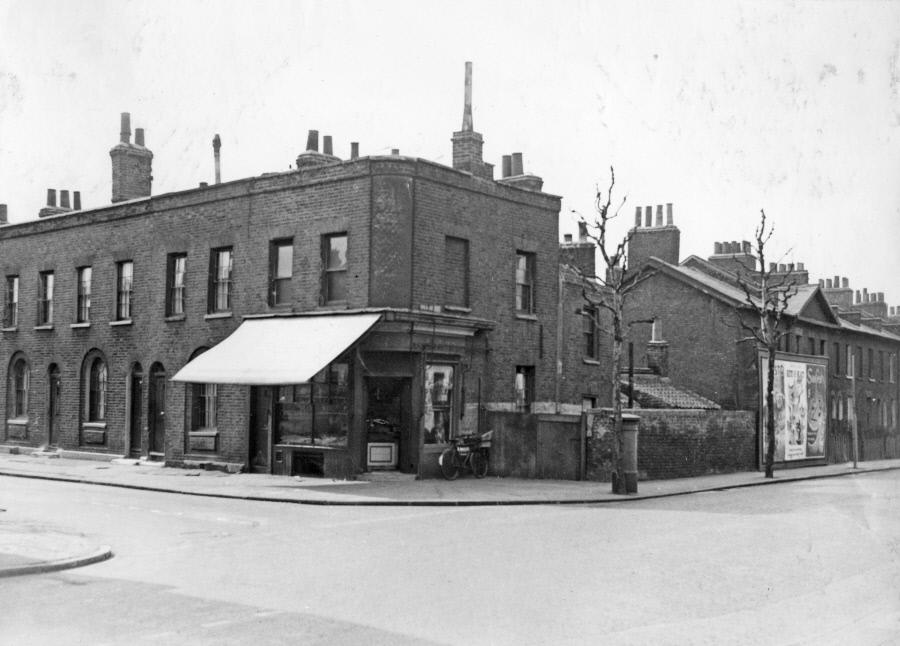Spa Road South side at the junction with Alscot Road, opposite the Municipal Offices, March 1956.  X.png