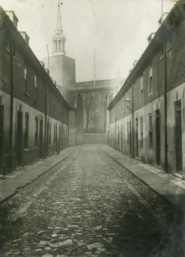 St Mary's Place, 1934 looking towards St Marys Church and St Marychurch Street. X.png