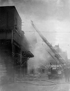 BRICKLAYERS ARMS DEPOT FIRE 1936.jpg