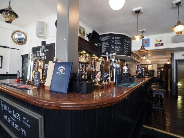 Borough Hgh Street,interior St Christopher Inn..jpg