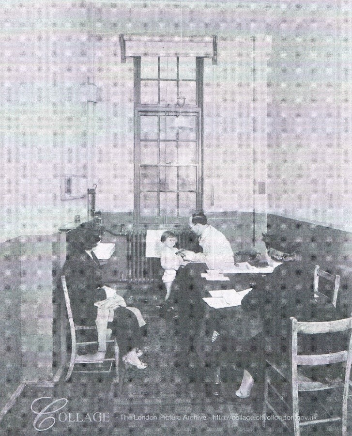 Webb Street School medical inspection c1939.  X.jpg