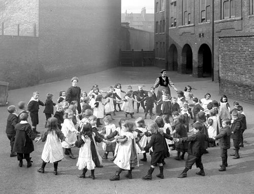 Flint St, School. Southwark,1908.Current name English Martyrs RC Primary School..jpg