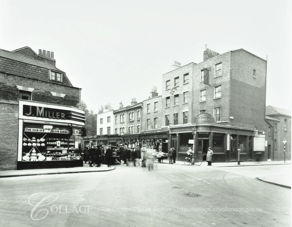 East Street on the corner of Dawes Street, showing the George IV public House. 1939.  X.png