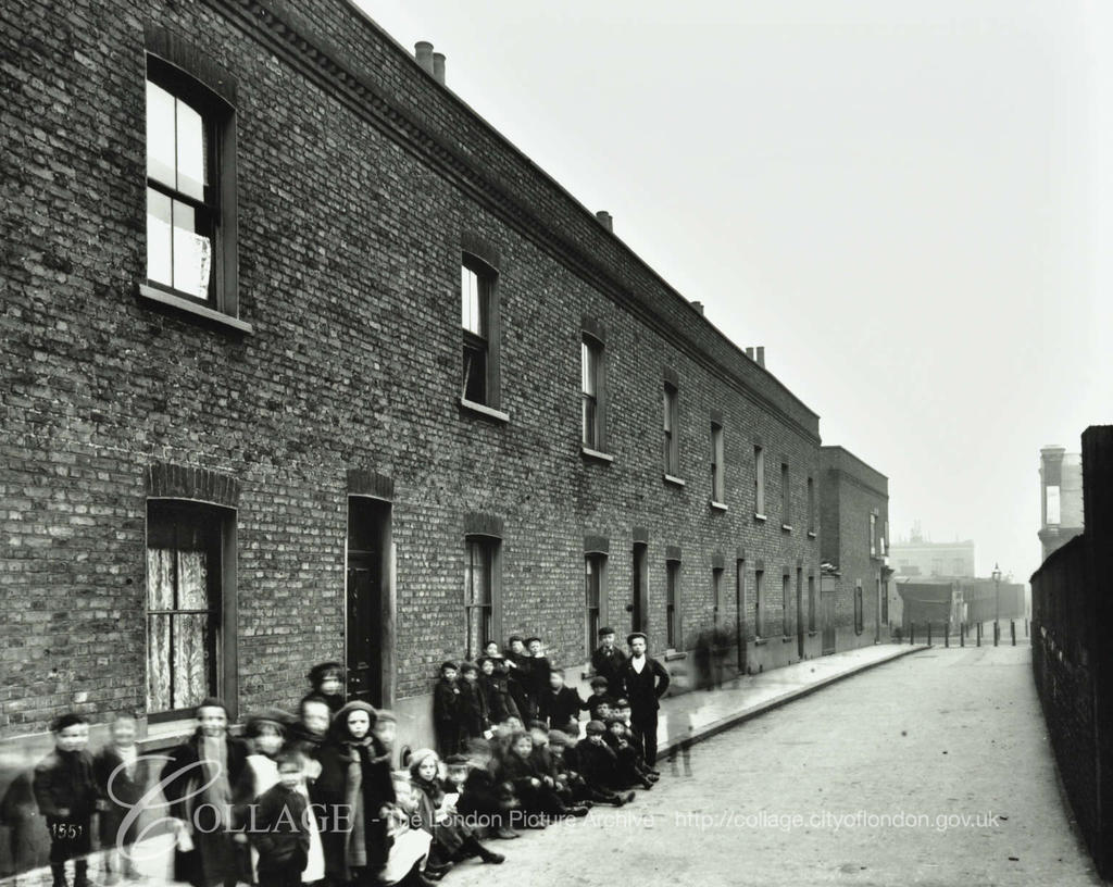 RAILWAY AVENUE, c1903,looking towards Adam Street now  Brunel Road.  X.png