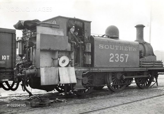 Loco with Shand mason pump.jpg