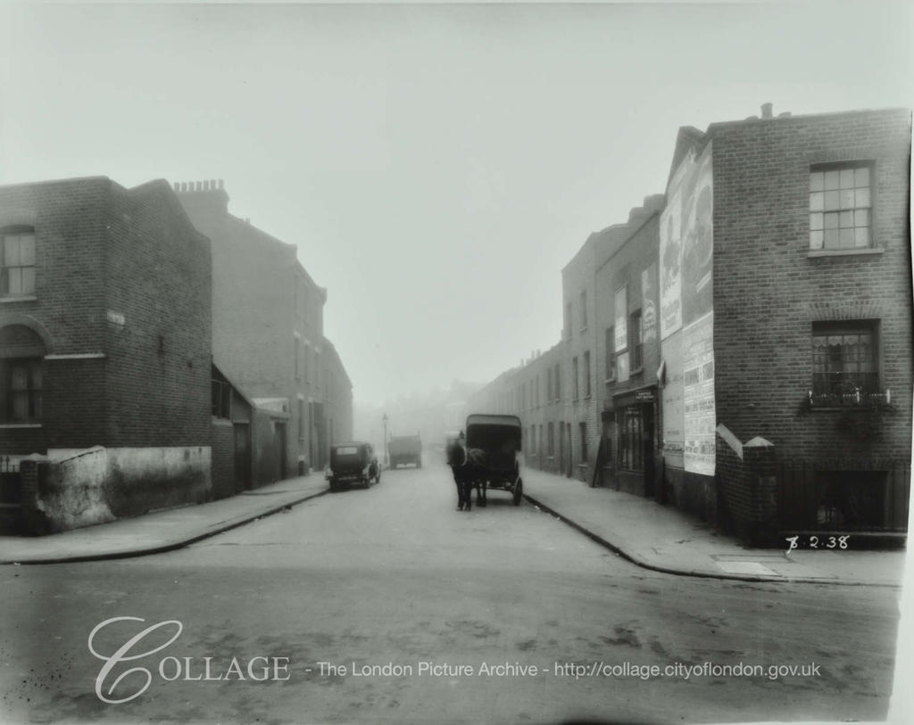 Barlow Street, looking south from East Street 1938.  X.png