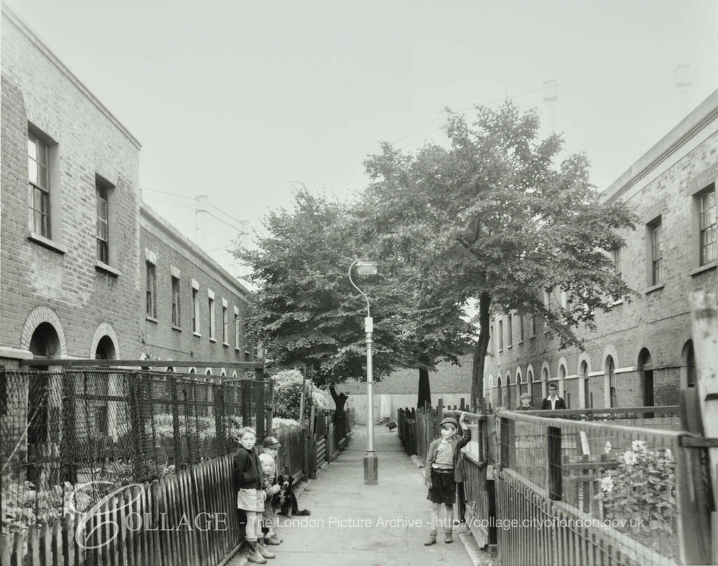 Hyndman Place,Old Kent Road, 1957.   X.png