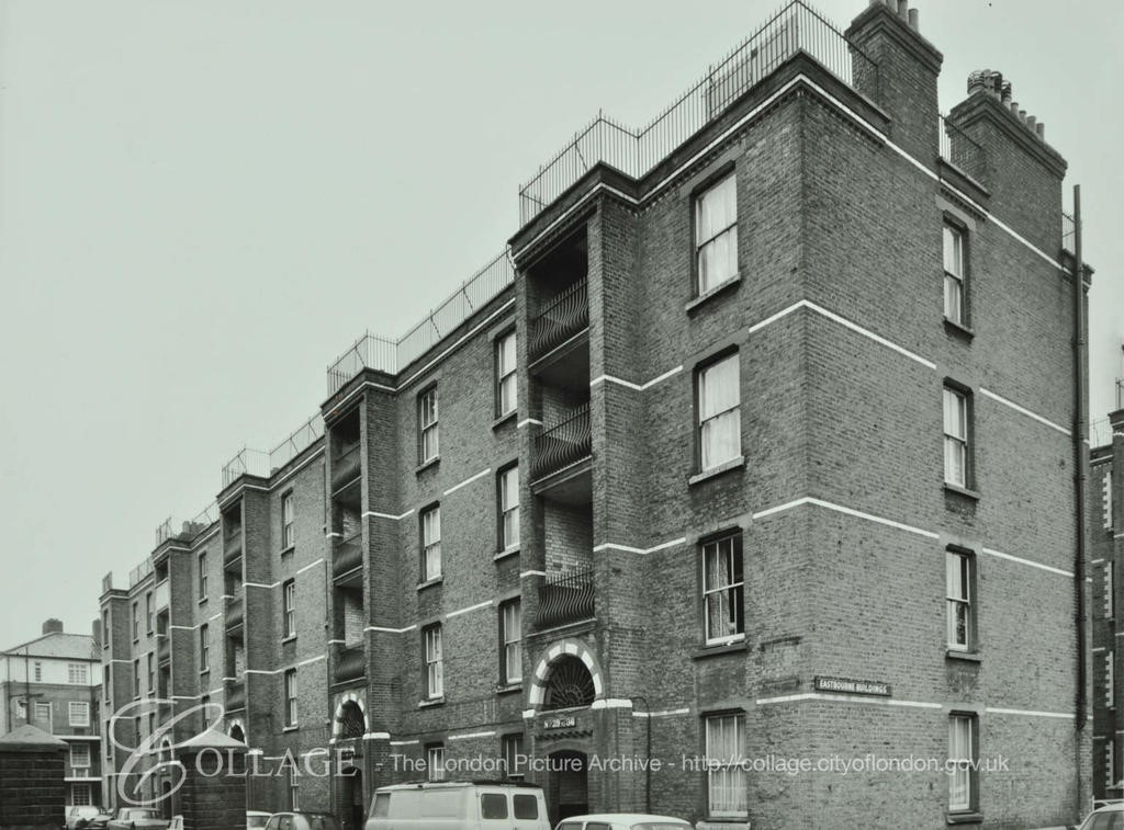 Creasy Street  1972, Eastbourne Buildings, Looking towards Swan Mead.   X.jpg