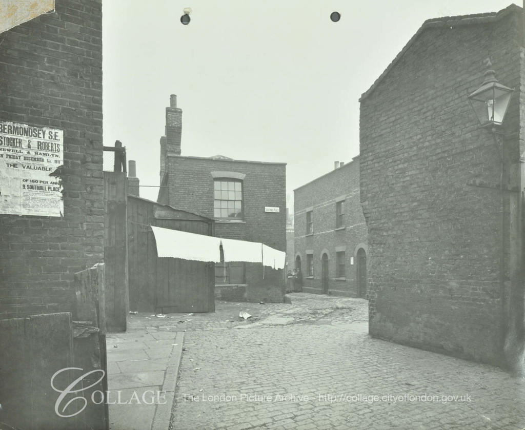 Southall Place, looking north towards long lane,1913.  X.png