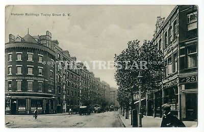 Tooley Street, Hanover Buildings and City Of Salisbury Pub on the left.   X.png