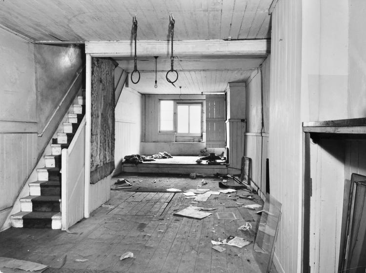 Rotherhithe Street in 1964, the interior ground floor.This had been the main club room. The rear windows shown were directly above the bank of the Thames.  X.png