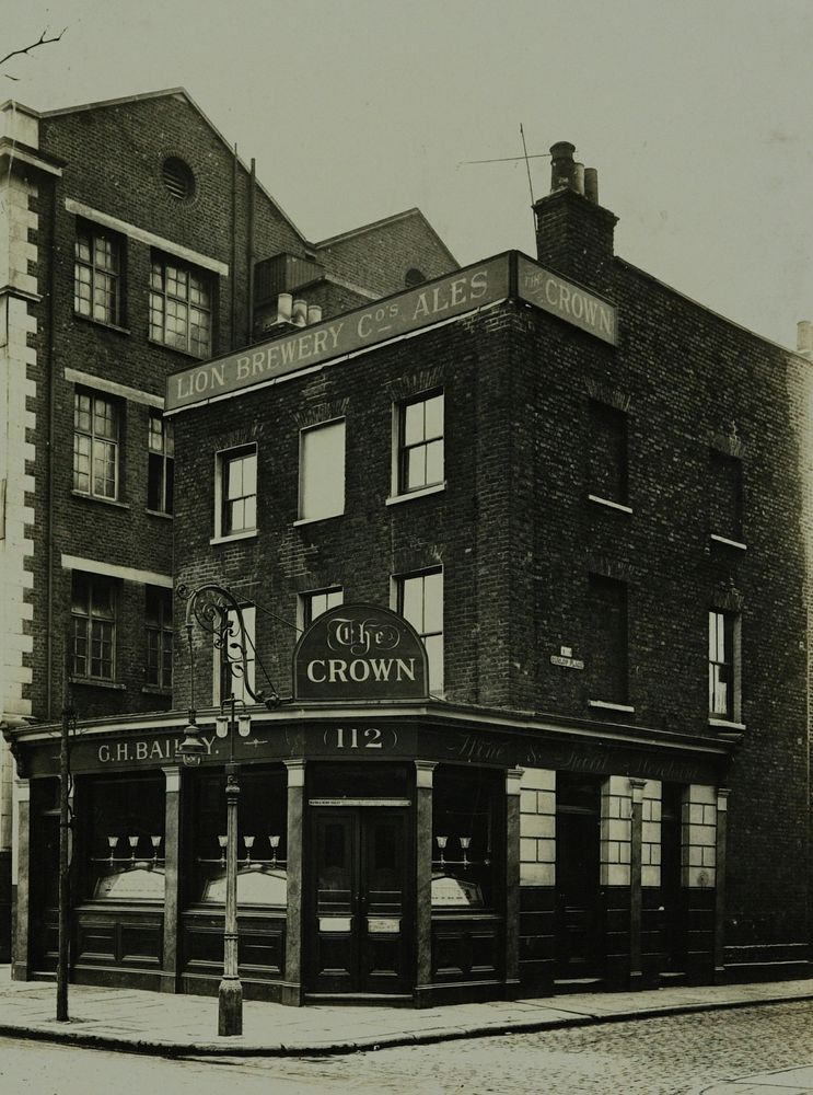 Spa Road, Bermondsey. The Crown.  X.png