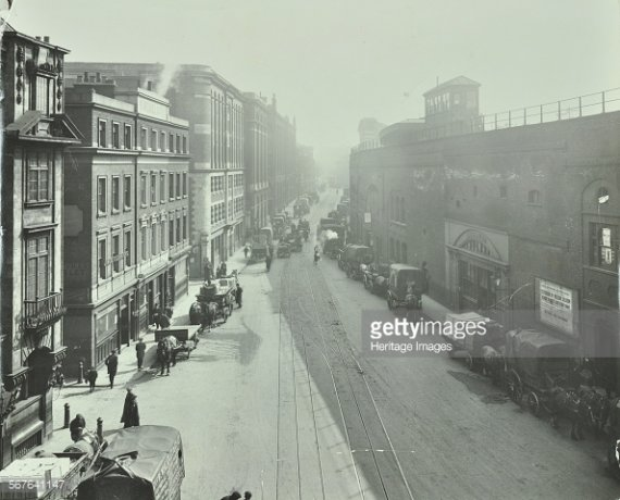 Tooley  St 1910 ouside the Weddel Building.jpg