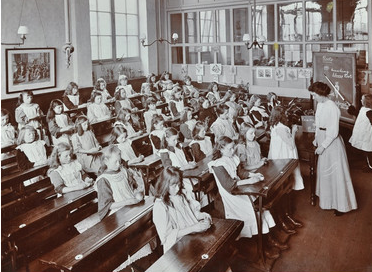 Albion Street Girls School, Rotherhithe, Classroom scene 1908.  X.png