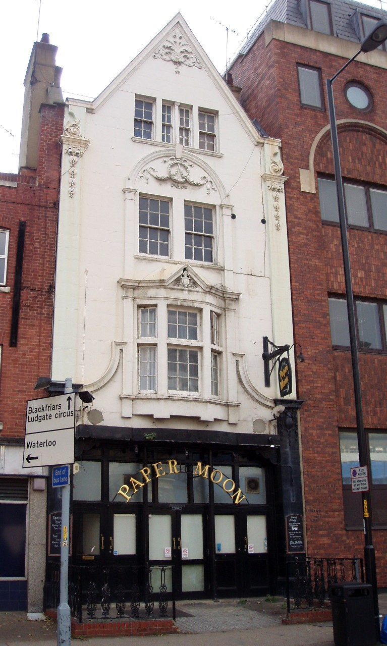Blackfriars Road,Paper Moon Pub, formally The Rising Sun,now closed.  X.png