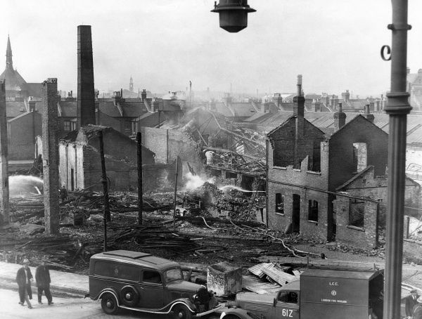 Glengall Road, bomb damage, 12 September 1940.  X.png