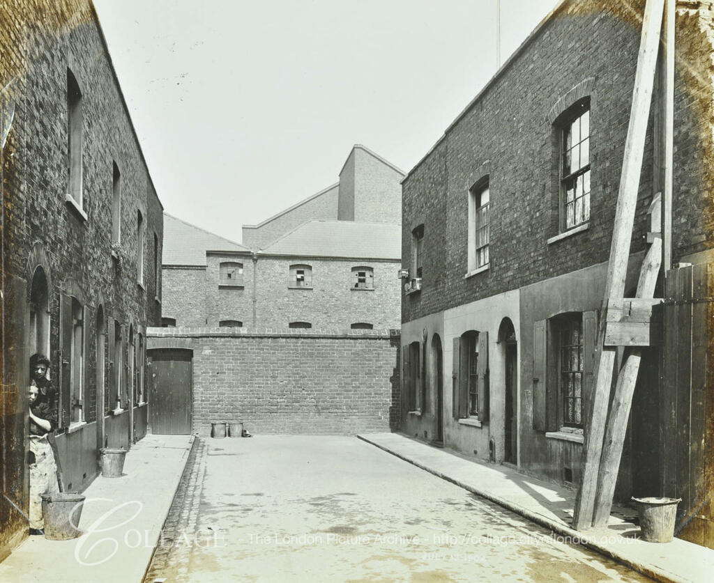 Ainstey Street,Rotherhithe, c1904.  X.png
