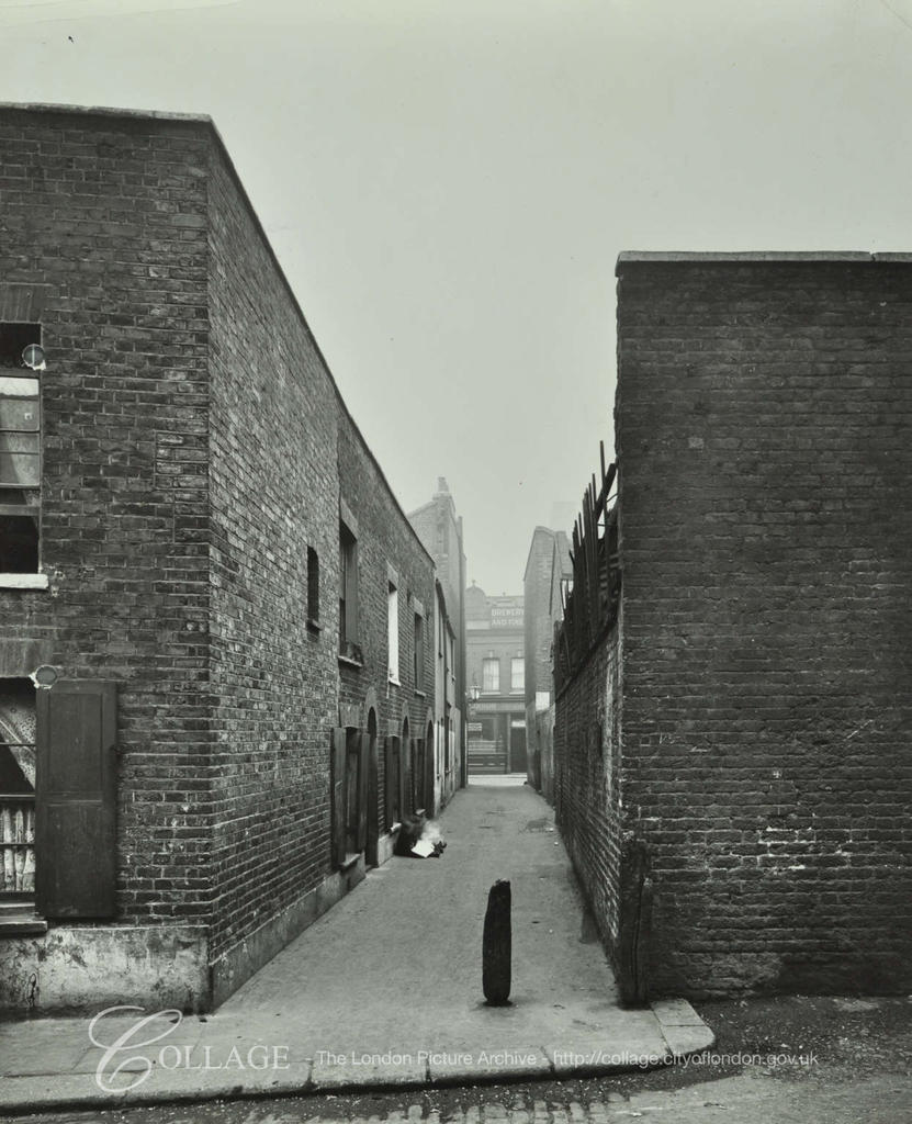 Tabard Street, Board's Buildings c1913, ran between Tabard Street &  Amicable Row.  X.png