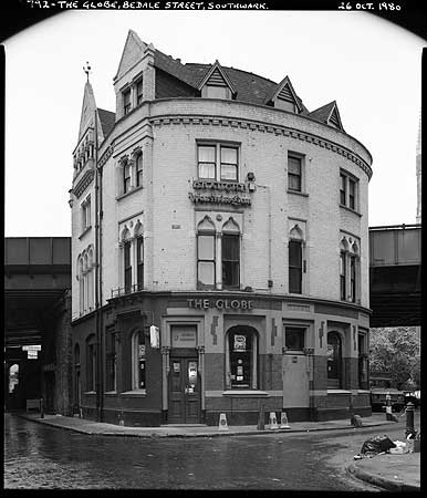 Borough Market.The Globe Public House, Bedale Street,Southwark c1980.   X.png