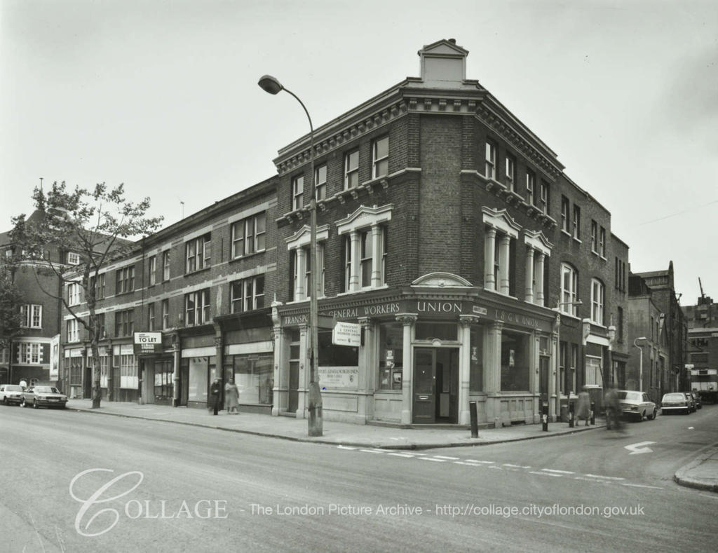 Tooley Street.The Old Kings Head Pub,corner with Abbots Lane, formally Stoney Lane.  X.png
