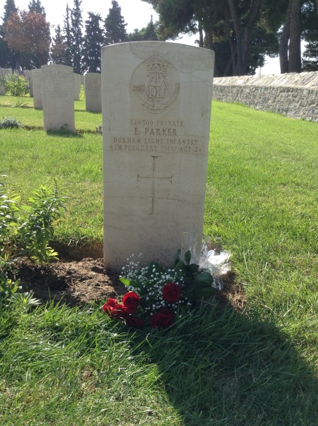 "Ernest ""Ernie"" Parker received British War and Victory Medals and he was buried at the British Military Cemetery at Mikra, Thessaloniki, Greece ""with full military honours""..png"