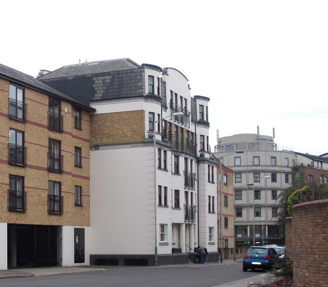 ROTHERHITHE STREET, HALF MOON & BULLS HEAD PUB SITE, WHITE BUILDING ON THE LEFT 2019.   X.png