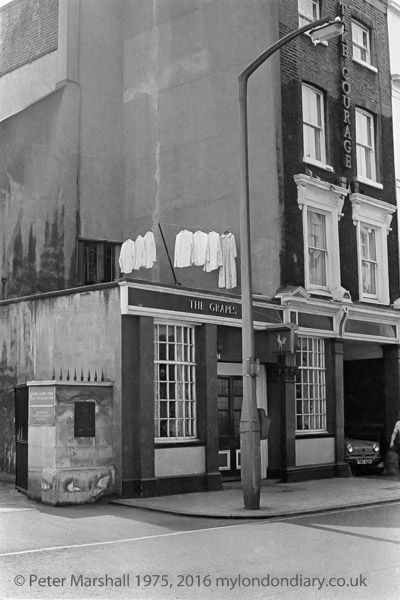 Borough High Street c1978, now The St Christophers Inn.  X.png