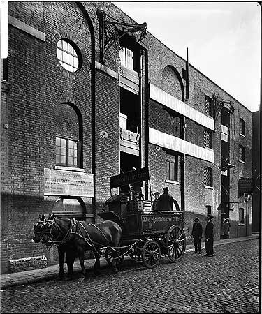 Park Street, Southwark Wharf, c1923.The Apollinaris Company Limited Depot..jpg