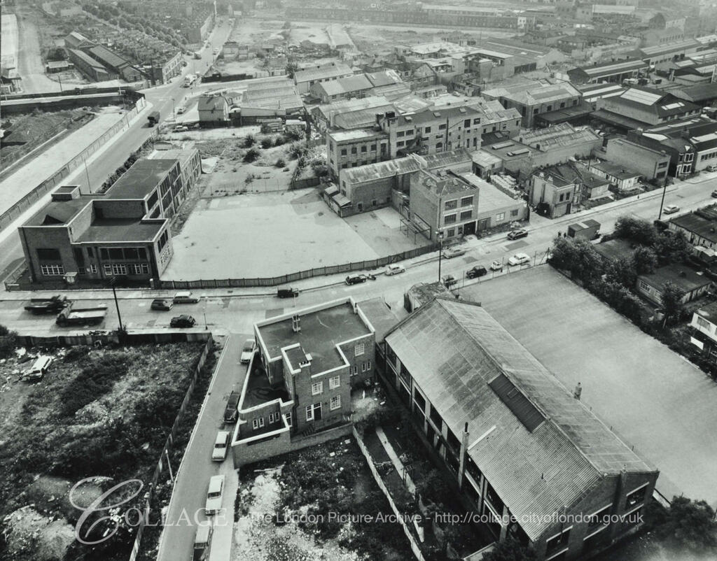 Marlborough Grove, Bermondsey c1963.  Rolls Road left, Longland  Court now Avondale Square bottom left.   X.png