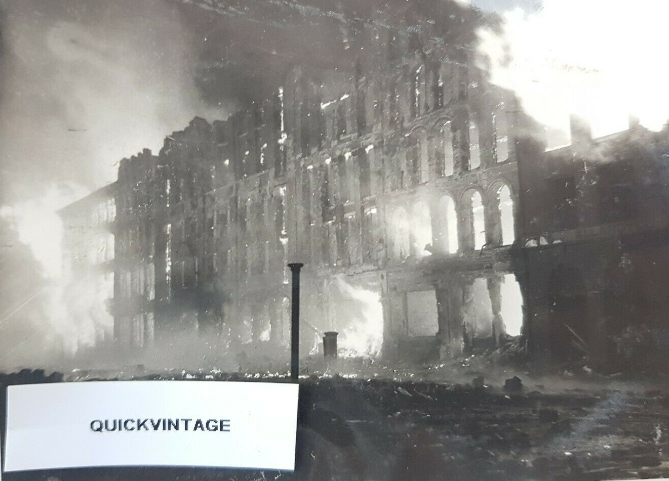 Southwark Street on fire. London Blitz, Dec 1940, WW2.  X.png