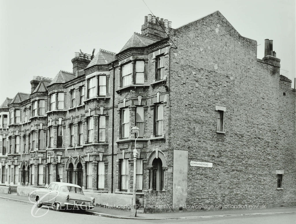 Loncroft Road, left was off Cobourg Road, Kempshead Road right. c1972.  X.png