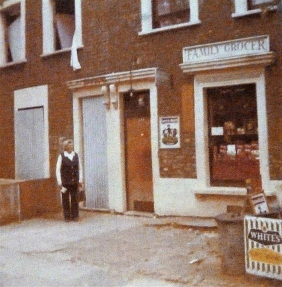 FORT ROAD c1977, the Family Grocer.  X.png