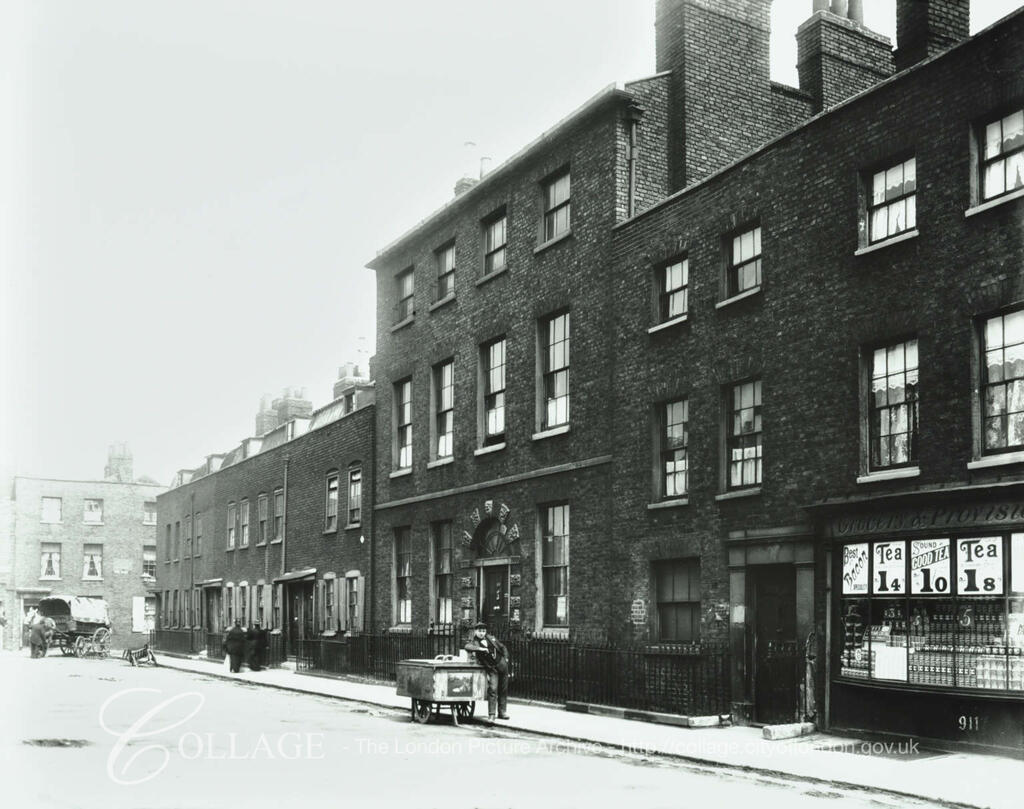 Bermondsey Square, c1900, looking towards Long Walk.   X.png