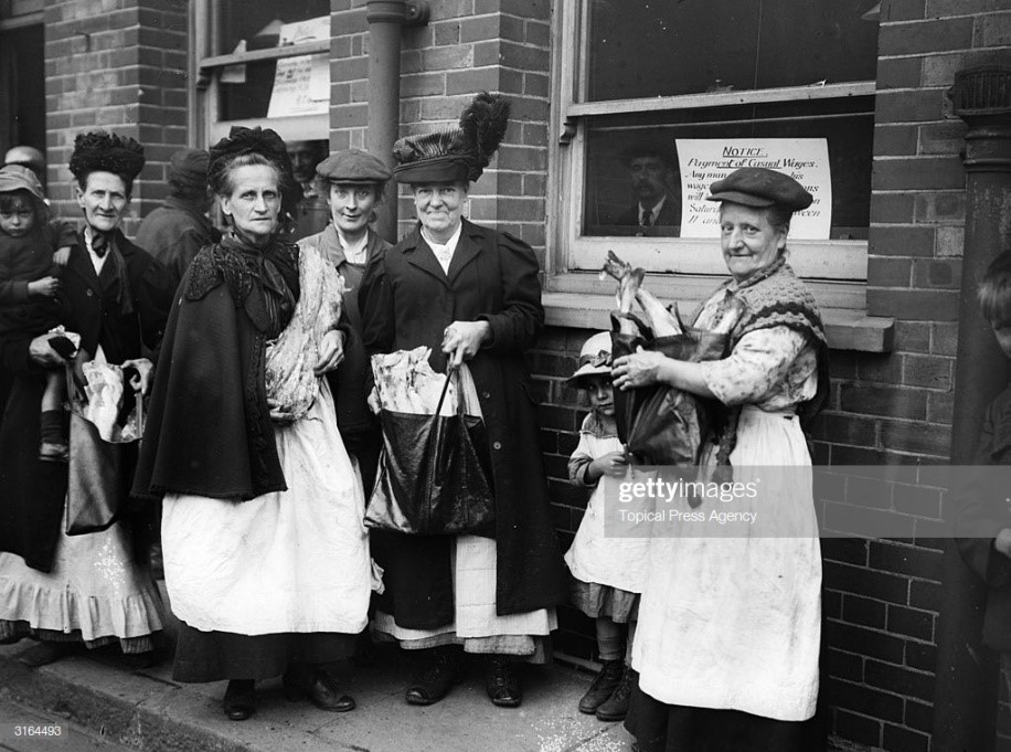Canada's gift of fish to Bermondsey, South London, August 1919.  X.jpg