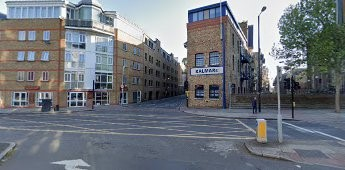 Tooley Street 2020, same location as the 1976 picture, Mecca was on the left-hand corner.  I lost a few Bob in there.  X.jpg