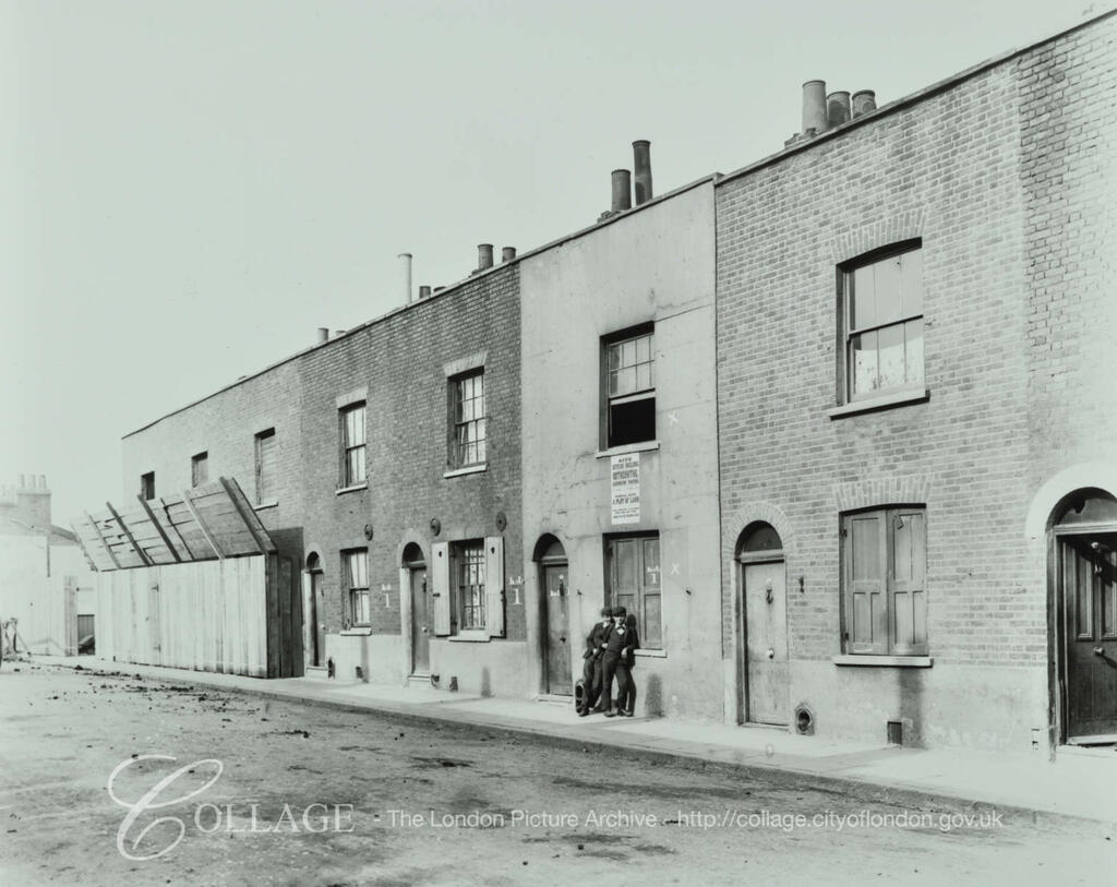 Clarence Street (now known as Canon Beck Road), Rotherhithe, c1903.  X.png