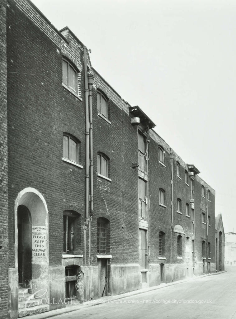 Rotherhithe Street, Cumberland Wharf c1953. Opposite Cannon Beck Road.  X.png
