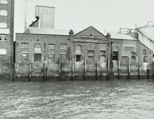 Rotherhithe Street, Upper Globe Wharf 1981. Now been turned into flats and called Globe Wharf. 2019.   X.png